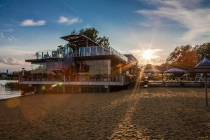 Strandhaus Sonnenuntergang vom Strand
